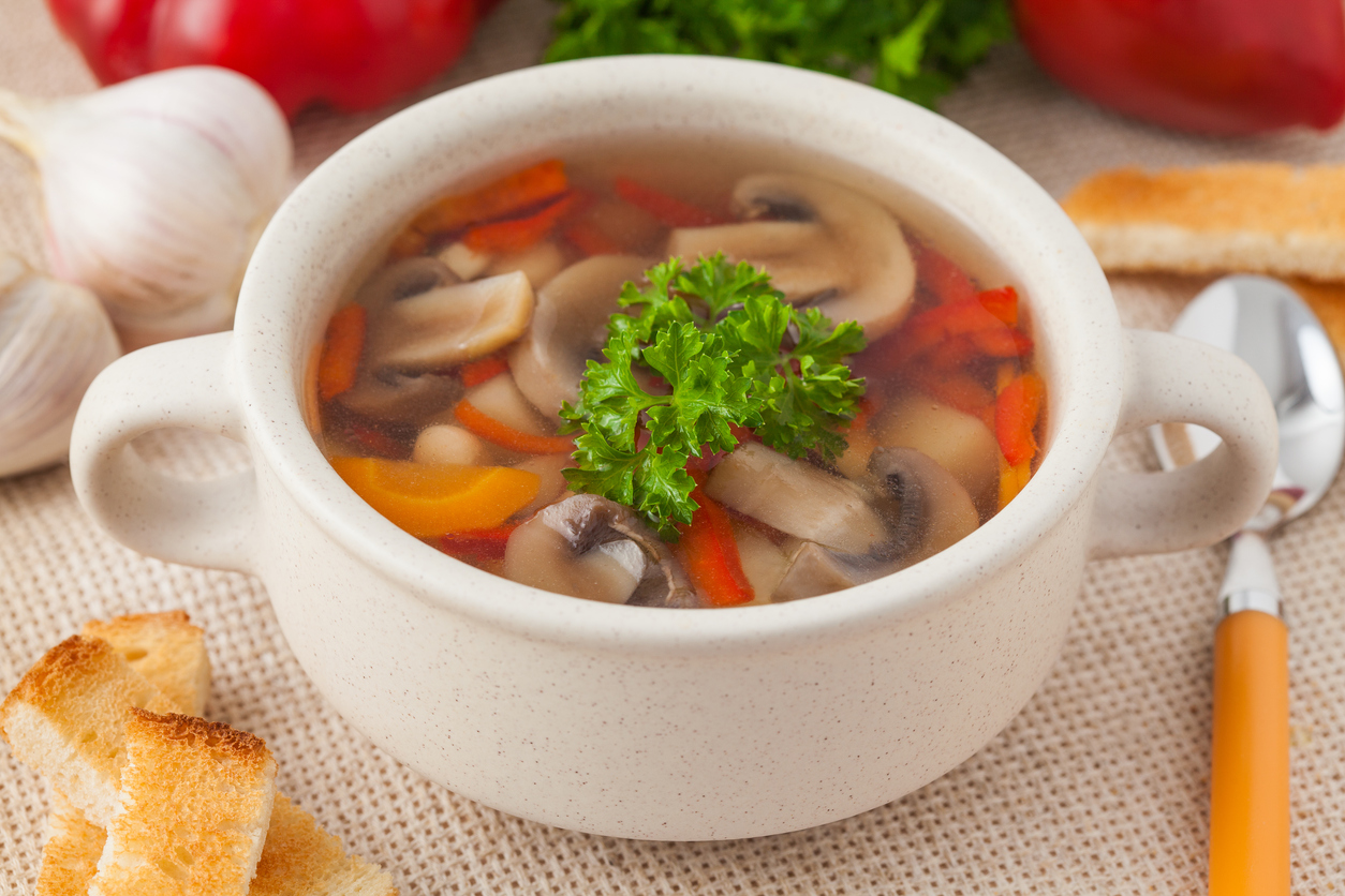 Slim Down with this Delicious Navy Bean, Bacon, and Spinach Soup